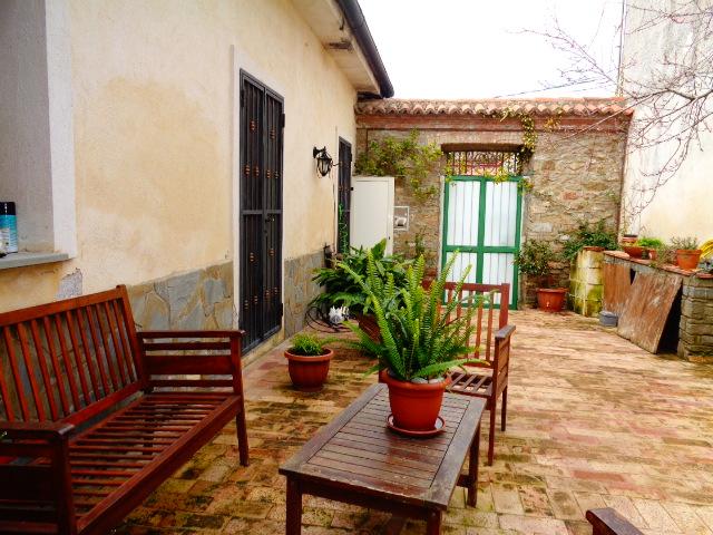 Torchiara – villetta semindipendente con corte e giardino
