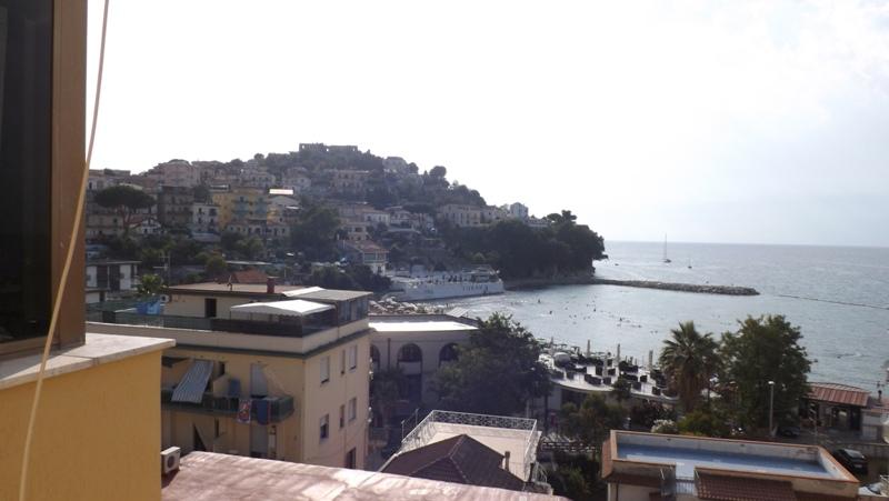 Agropoli, via Turati, zona Lido Azzurro, appartamento al quinto piano 100mq circa
