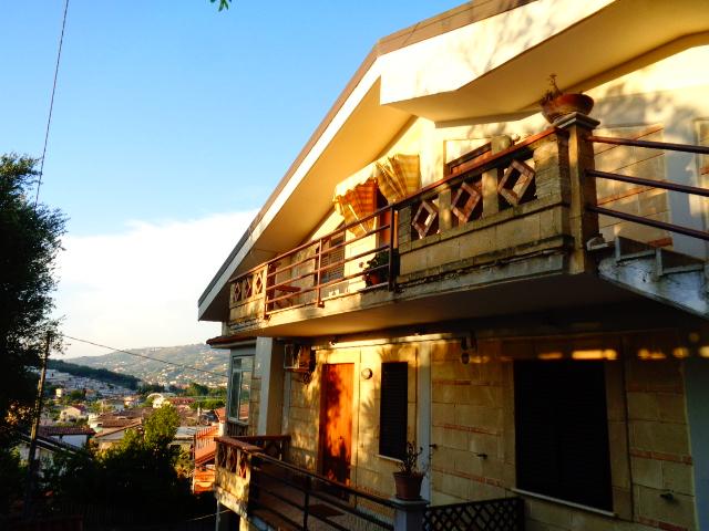 Agropoli, Appartamento con ampia balconata