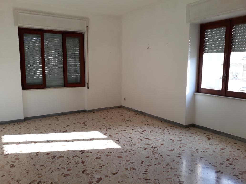 Agropoli-Appartamento uso UFFICIO/STUDIO