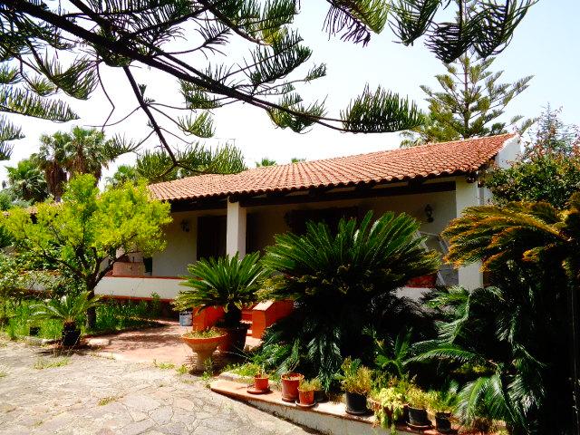 Castellabate – Zona Lago, villaindipendente con giardino