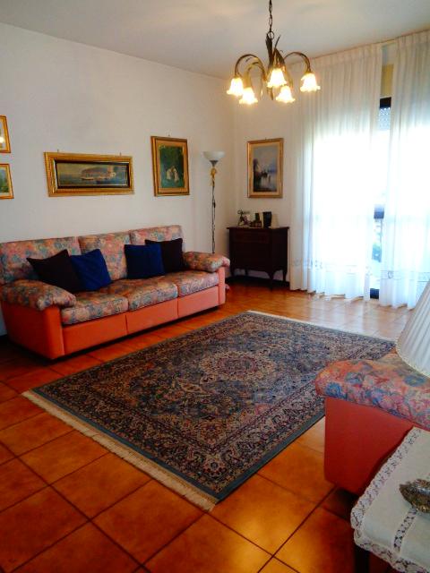 Battipaglia-appartamento al secondo piano