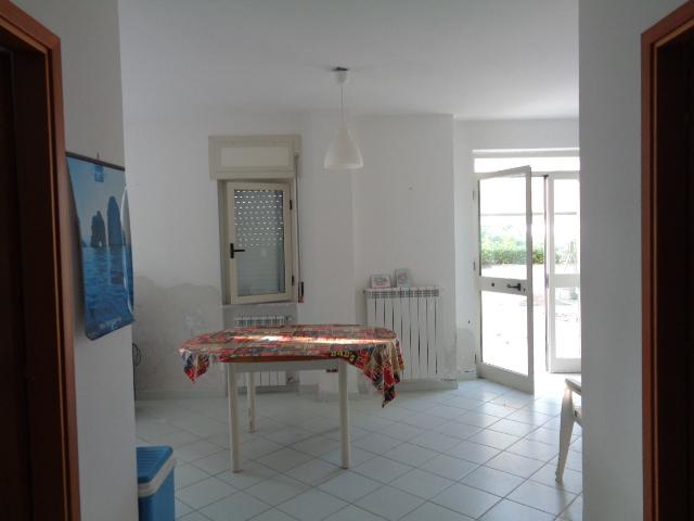 Agropoli – zona Moio –Appartamento seminterrato con garage