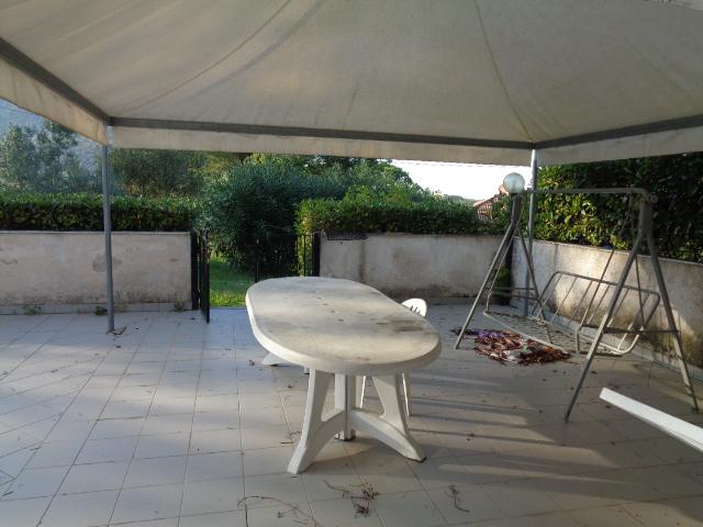 Agropoli - zona Moio -Appartamento seminterrato con garage ...