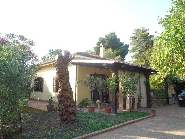 Capaccio Paestum – Villa indipendente a 100 mt dal mare