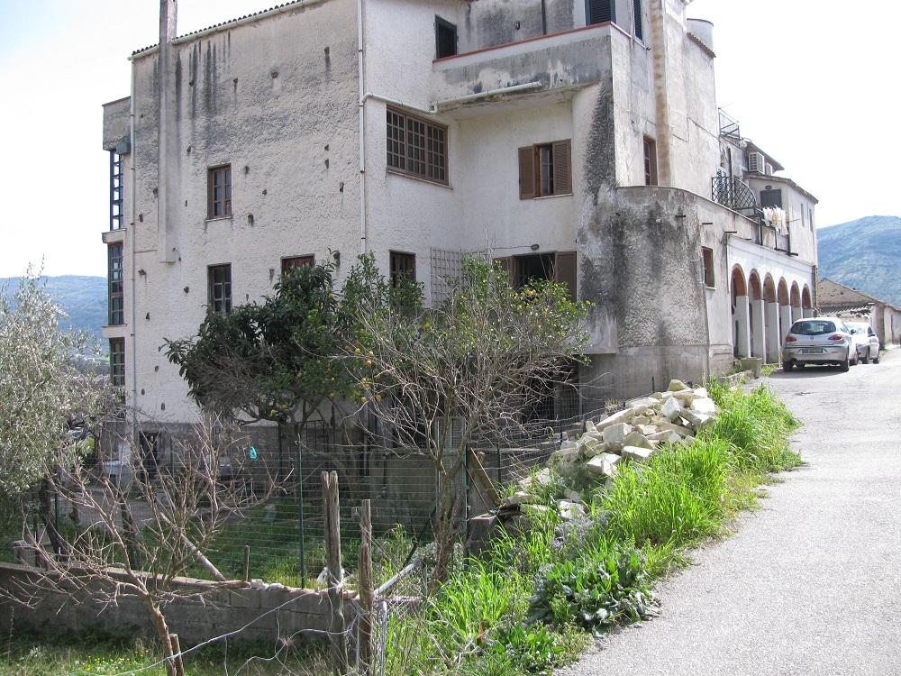 Agropoli – Zona Frascinelle – Soluzione semindipendente su tre livelli