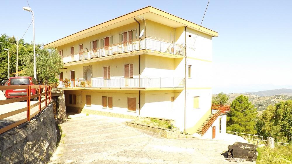 Perdifumo, Via San Rocco, appartamento con terrazzo vista mare